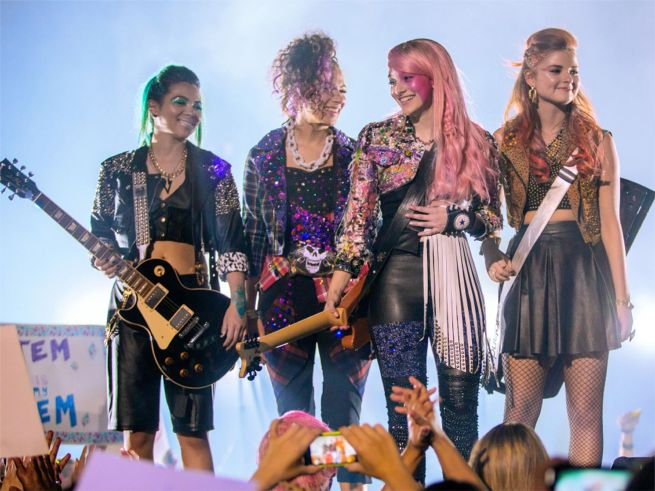 jem-and-the-holograms-1
