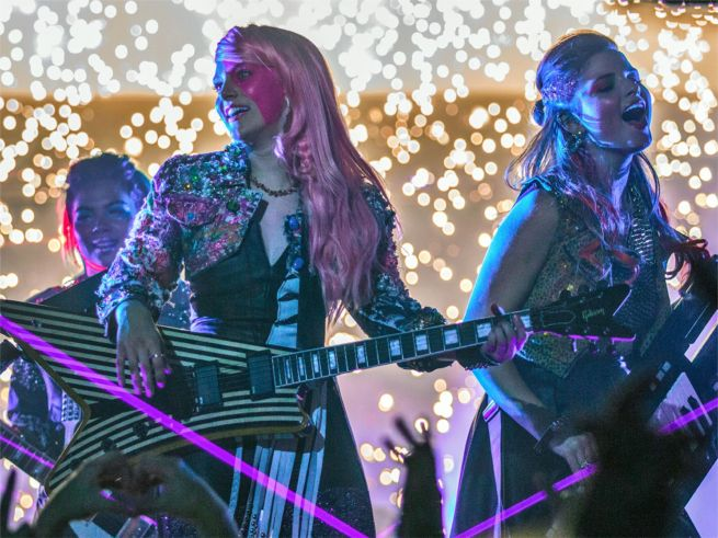 jem-and-the-holograms-6