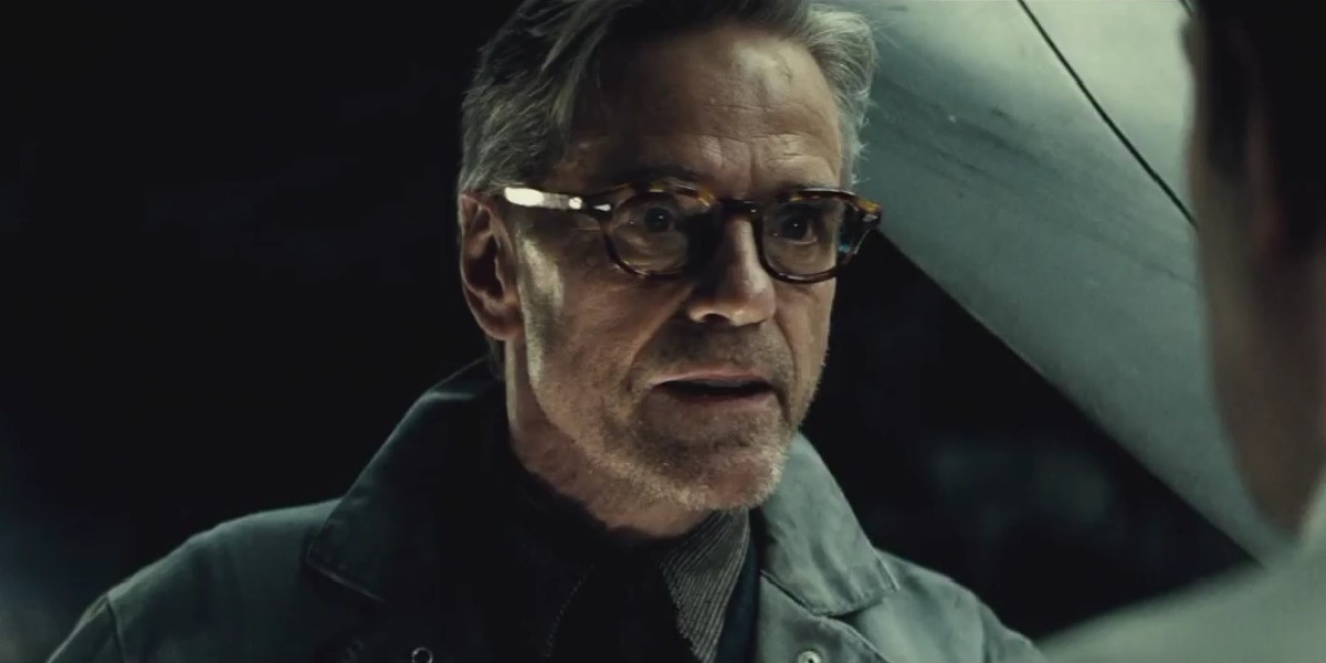 Irons Alfred Jeremy-irons-alfred-batman