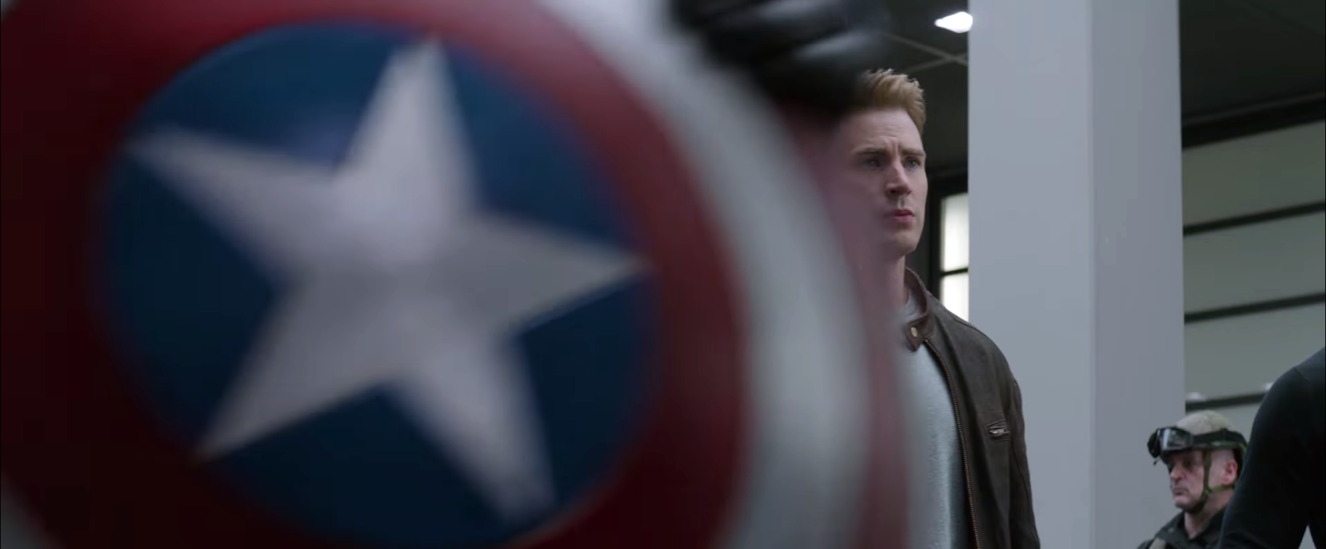 Civil War_Cap Loses Shield