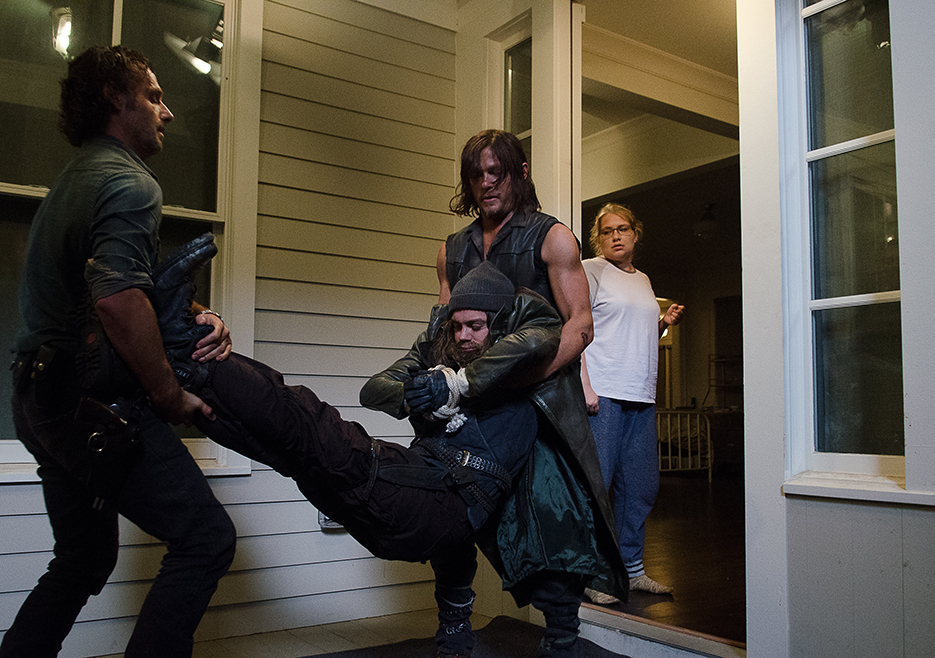 the-walking-dead-episode-610-rick-lincoln-3-935