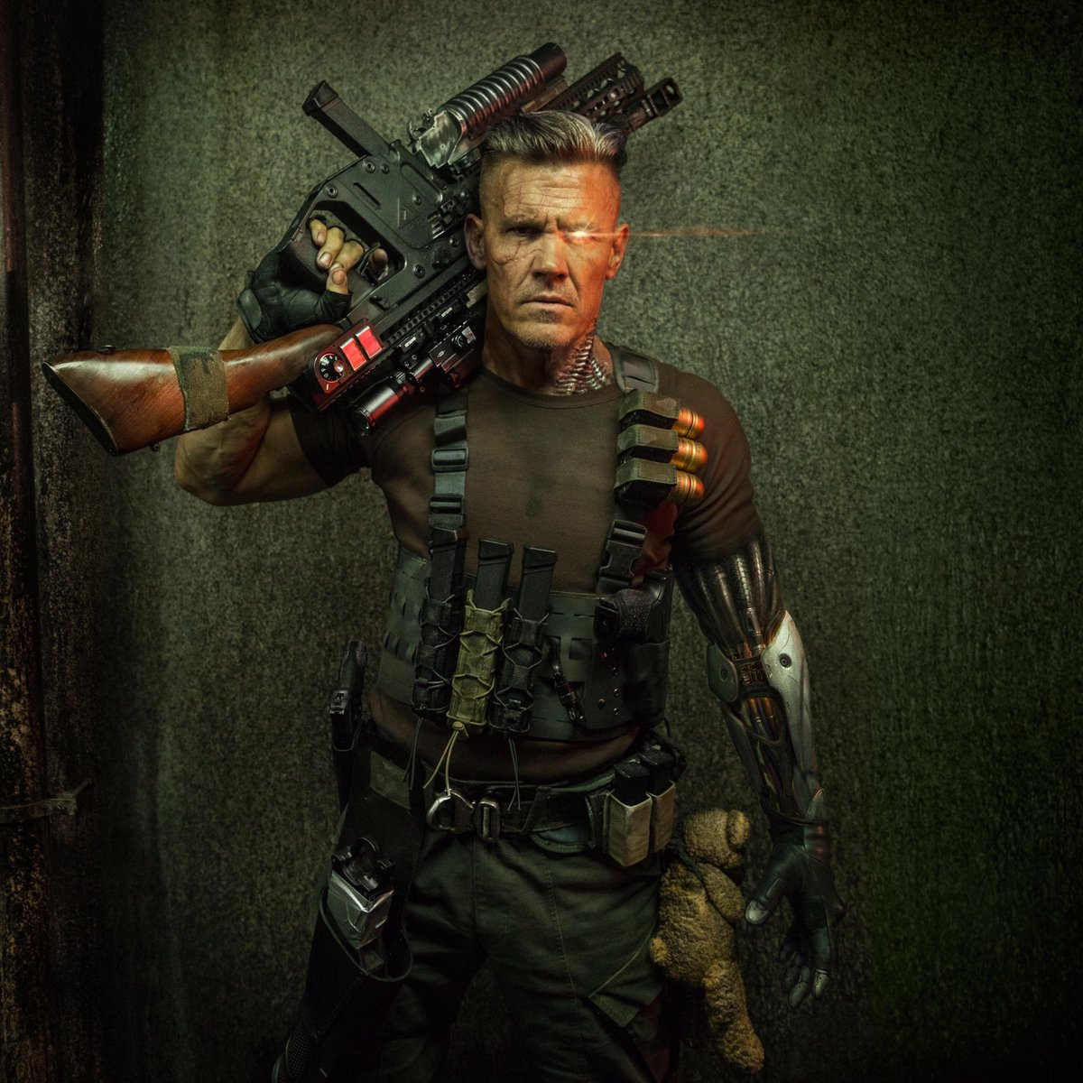 Here's Our First Look at Josh Brolin as Cable in Deadpool 2