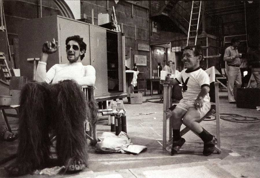 Peter-Mayhew-and-Kenny-Baker