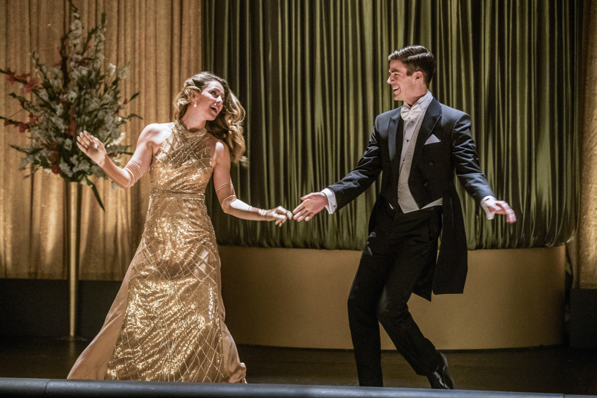 Flash and Supergirl Cut a Rug in New Poster